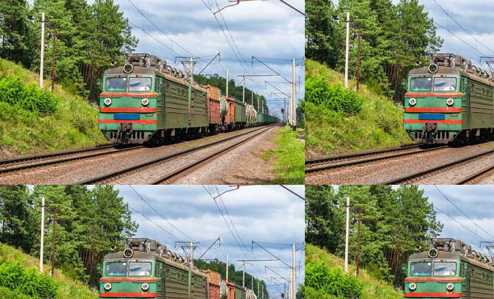 Tapeta Pixerstick Nákladní vlak tažený elektrickou lokomotivou staré. Ukrajina - Témata