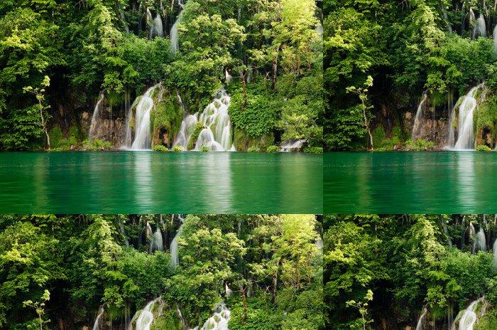 Tapeta Pixerstick Národní park Plitvická jezera - Přírodní krásy