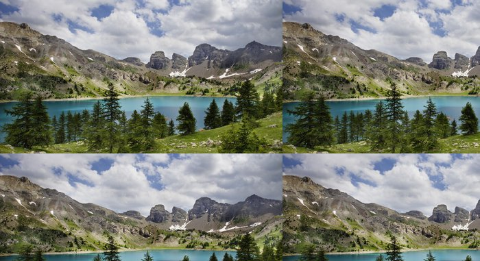 Tapeta Pixerstick Obrázek Lac d'Allos. Alpes-de-Haute-PROV nosti ve Francii. - Outdoorové sporty