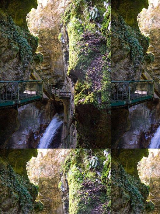 Tapeta Pixerstick Orrido di Bellano, Cascata Nella Gola - Voda