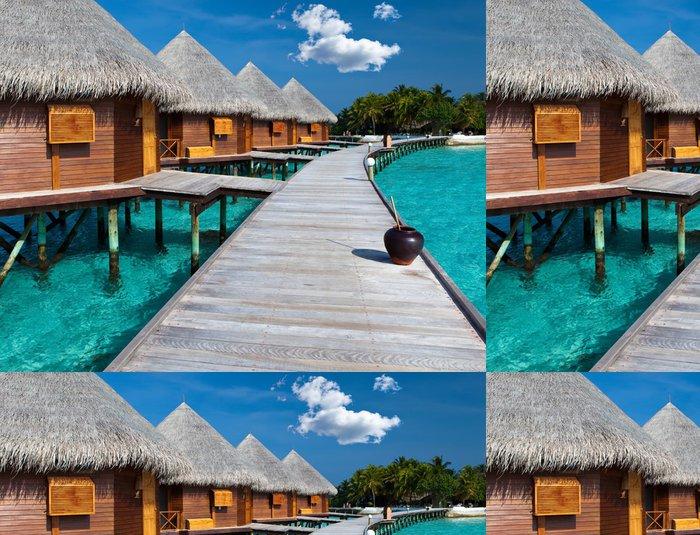 Tapeta Pixerstick Ostrov v oceánu, Maledivy. Villa na pilotách o vodě - Prázdniny