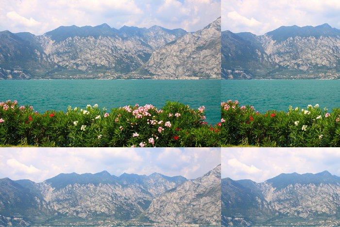 Tapeta Pixerstick Panorama sur le lac de Garde et Limone sul Garda, Itálie - Evropa