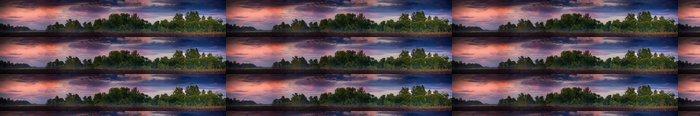 Tapeta Pixerstick Panoramatické krajiny s lesem na západ slunce - Roční období