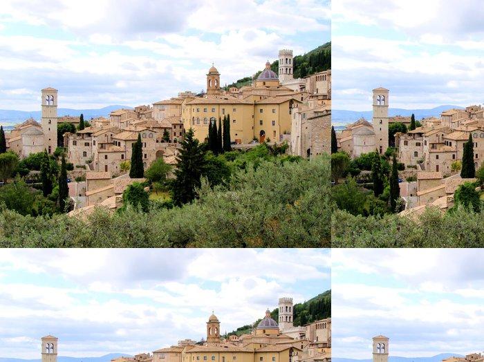 Tapeta Pixerstick Panoramatický výhled na italském horském městě Assisi - Témata