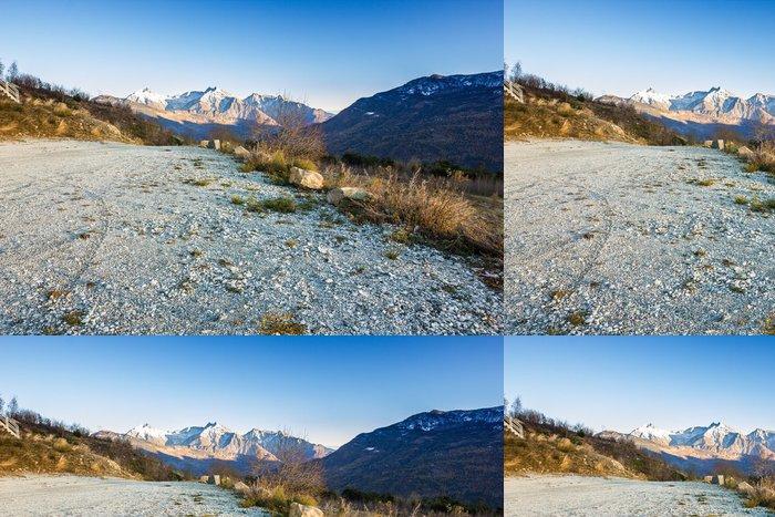 Tapeta Pixerstick Parkování dirt road v horách - Infrastruktura