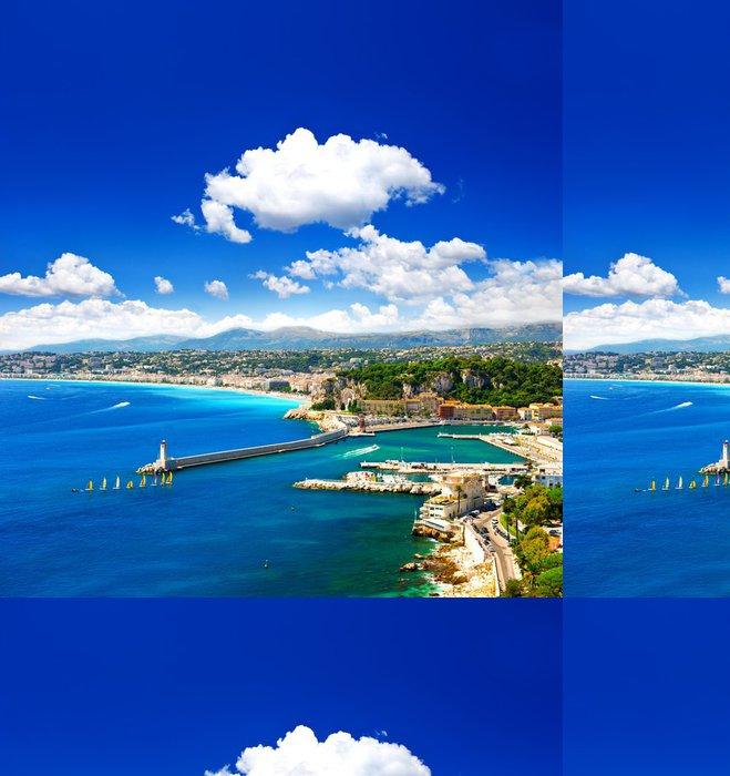 Tapeta Pixerstick Pěkné město, tyrkysové moře a dokonalé modrá obloha - Evropa