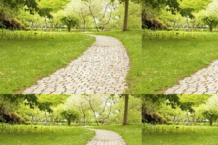 Tapeta Pixerstick Pěšina, dlažební kostky v zahradě parku. - Roční období