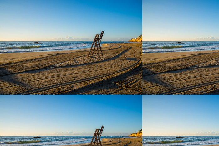 Tapeta Pixerstick Plavčík židle na pláži prázdný - Voda