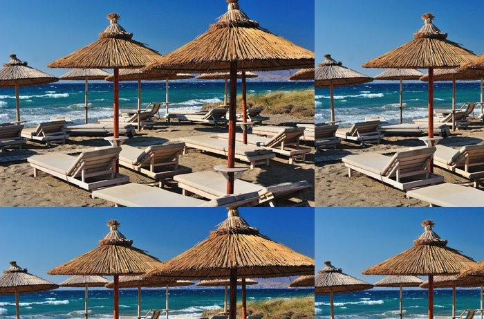 Vinylová Tapeta Pláž s rákosových slunečníků - Voda