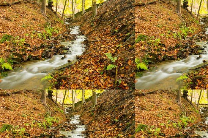 Tapeta Pixerstick Podzimní potok skrze stromy - Venkov