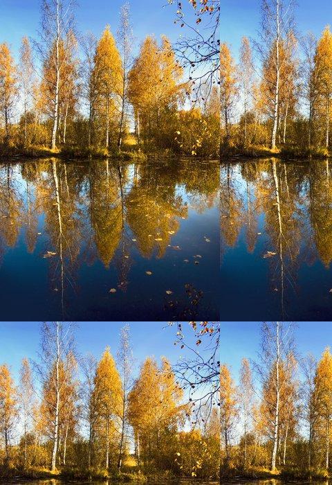 Tapeta Pixerstick Podzimní přírodě, který se odráží Golden stromy ve vodě - Roční období
