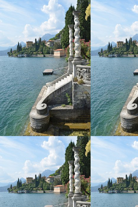 Tapeta Pixerstick Pohled na jezera Como od vily Monastero. Itálie - Soukromé budovy