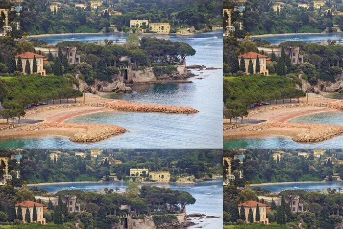 Tapeta Pixerstick Pohled na luxusní letoviska Villefranche a záliv. Cote d'Azur - Evropa