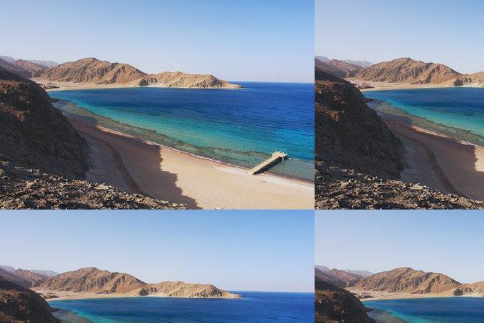 Tapeta Pixerstick Pohled na Rudého moře a pobřeží Sinai v Taba, Egypt - Afrika