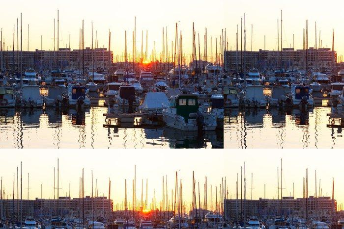 Vinylová Tapeta Port s jachty v východem slunce. Alicante - Město