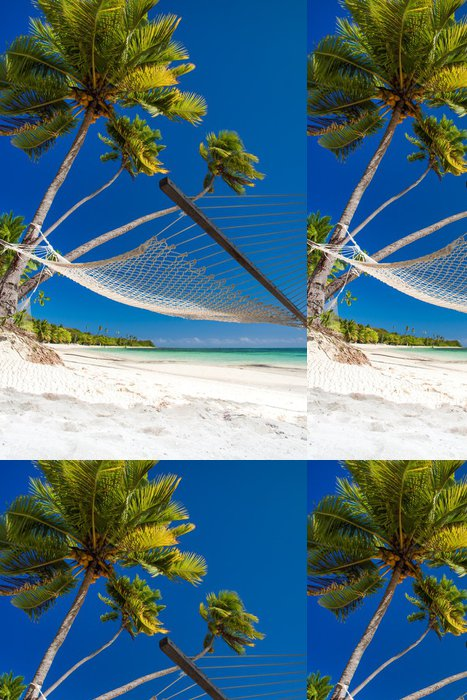 Tapeta Pixerstick Prázdné houpací síť pod palmami a detaily písku - Prázdniny