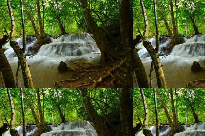 Tapeta Pixerstick Přírodní Vodopády v deštných pralesů - Témata