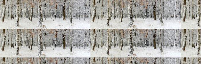 Tapeta Pixerstick První sníh v lese - Mezinárodní svátky