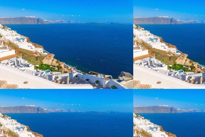 Tapeta Pixerstick Řecko slavný ostrov Santorini v Kyklady, panoramatický výhled na tr - Evropská města
