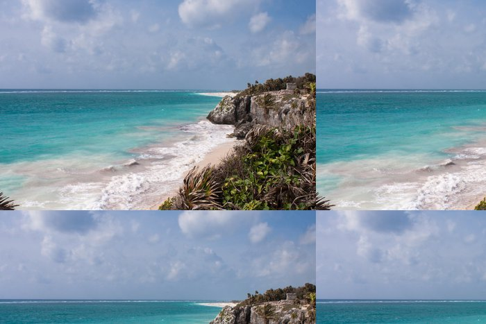 Tapeta Pixerstick Ruiny Tulum a bílé pláži v Mexiku - Amerika