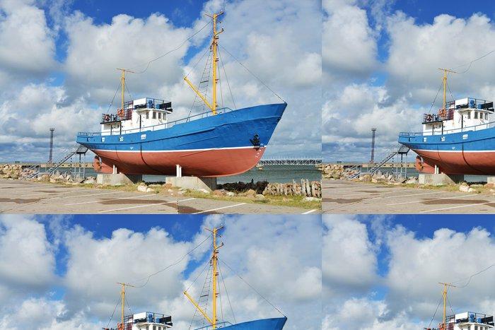Tapeta Pixerstick Rybářská loď jako muzejní kus - Evropa