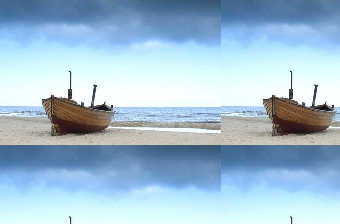 Tapeta Pixerstick Rybářská loď na pobřeží Baltského moře - Témata