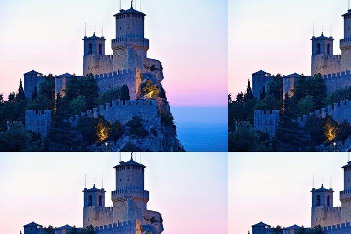 Tapeta Pixerstick San Marino hrad - Témata