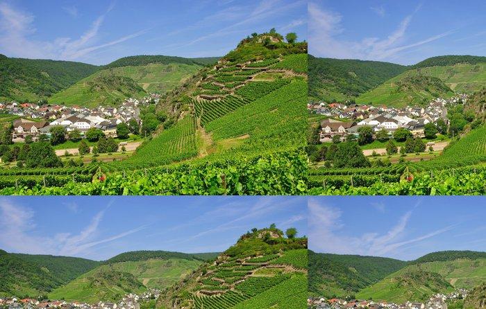 Tapeta Pixerstick Sauffenburg v údolí Ahr v Mayschoss - Evropa