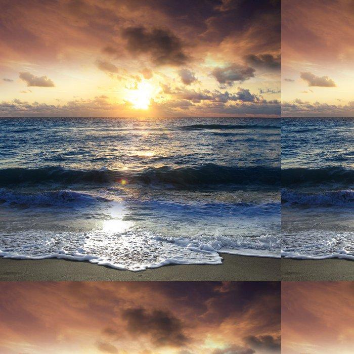 Vinylová Tapeta Scénické východ slunce na pláži - Štěstí