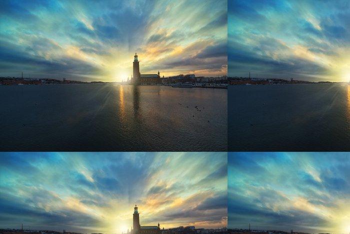 Tapeta Pixerstick Scénický noční pohled, západ slunce pohled na radnici - Evropa