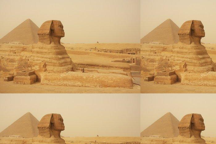 Tapeta Pixerstick Sfinga a Velká pyramida Chufu v písku bouři, Káhira - Afrika
