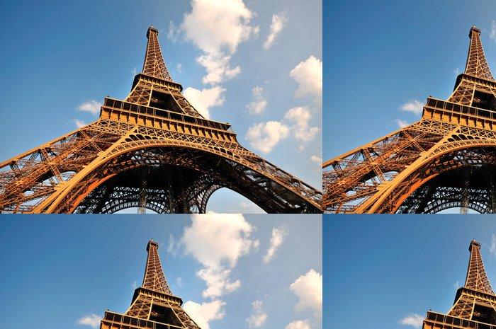 Tapeta Pixerstick Široký úhel pohledu Eiffelovy věže - Evropská města