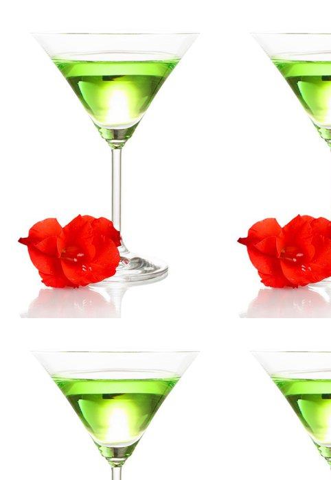 Tapeta Pixerstick Sklo s koktejlem a Gladiolus bud na bílém - Alkohol