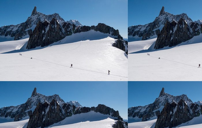 Tapeta Pixerstick Skupina horolezců, které mají za cíl dobytí Dent du Géant p - Extrémní sporty