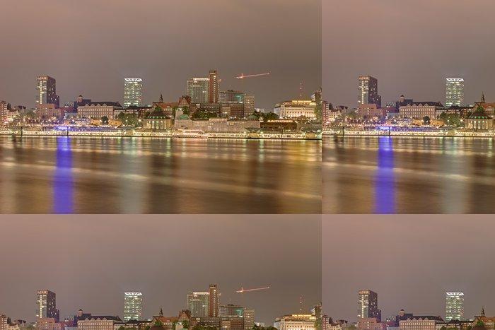 Tapeta Pixerstick Skyline v noci v Hamburku - Evropa