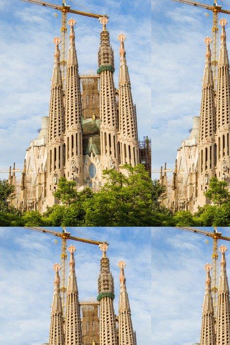 Tapeta Pixerstick Slavná katedrála Sagrada Familia fasáda ve španělské Barceloně. - Témata