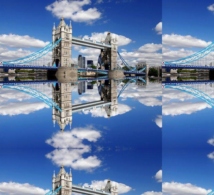 Vinylová Tapeta Slavný Tower Bridge v Londýně, Anglie - Témata