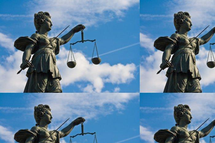 Tapeta Pixerstick Socha Lady spravedlnosti ve Frankfurtu nad Mohanem Německo - Spravedlnost