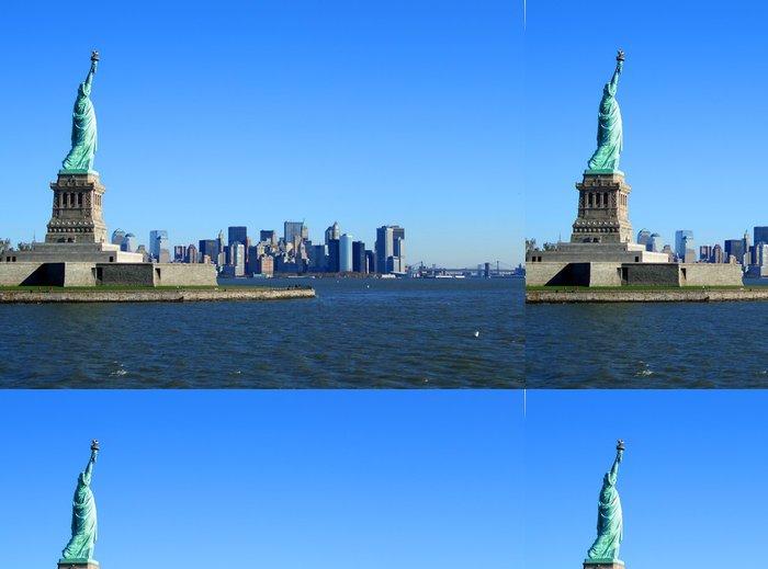 Tapeta Pixerstick Socha svobody a dolním Manhattanu - Město