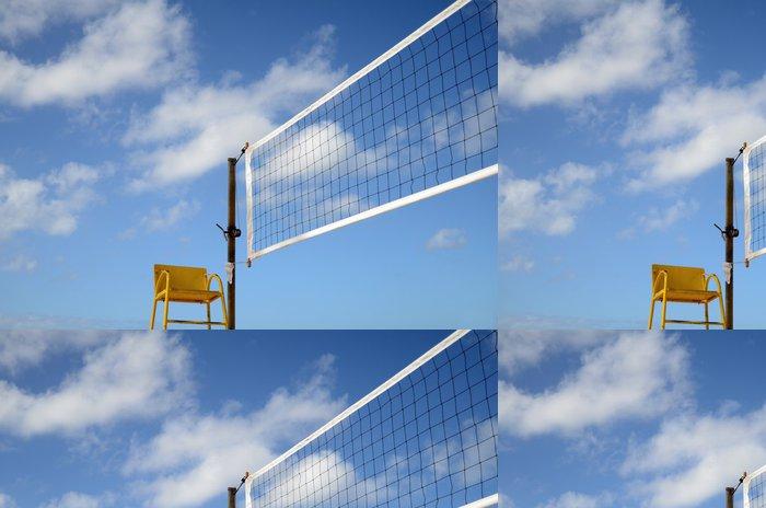 Tapeta Pixerstick Sport obraz síť na volejbal na pláži s rozhodčím židle - Týmové sporty