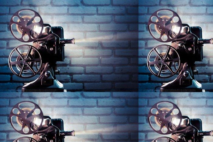 Tapeta Pixerstick Starý film projektor s dramatickým osvětlením - Témata