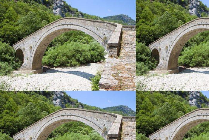 Tapeta Pixerstick Starý kamenný most v Epiros v Řecku - Evropa
