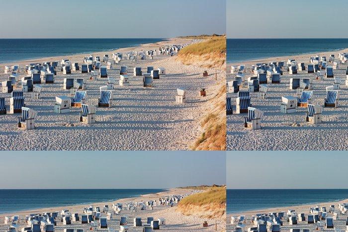 Tapeta Pixerstick Strand mit Strandkörben bei Kampen auf Sylt im abendlicht - Německo
