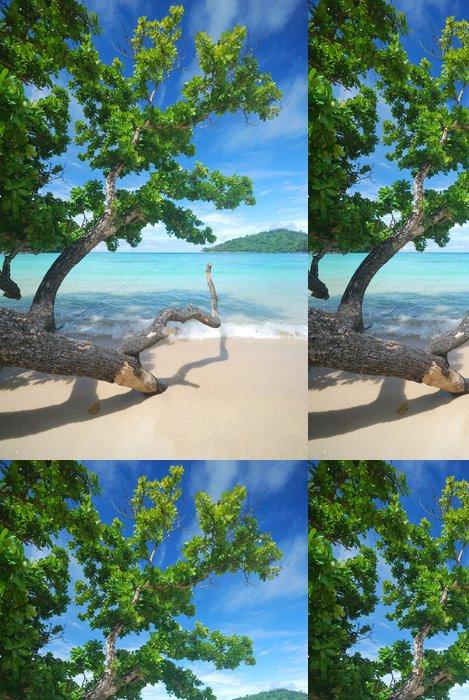 Tapeta Pixerstick Stromy v blízkosti pláže - Ostrovy