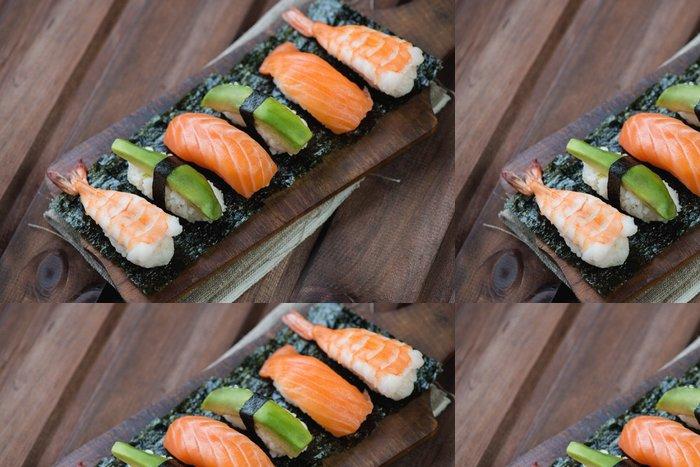Tapeta Pixerstick Sushi s lososem, krevety a avokáda, rustikální dřevěné pozadí - Sushi