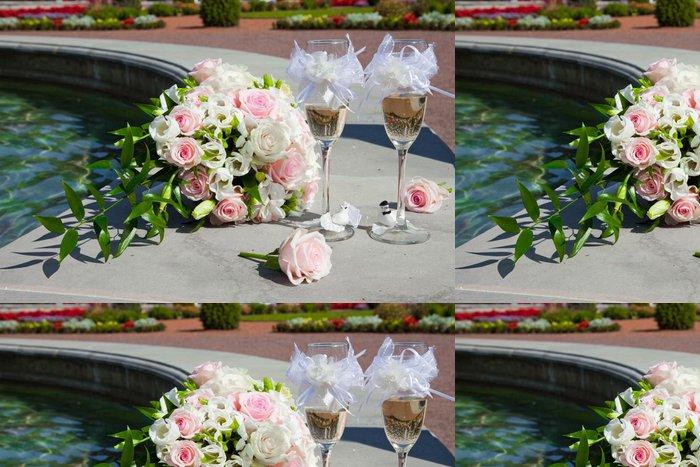 Tapeta Pixerstick Svatební kytice tbride a sklenice šampaňského - Slavnosti