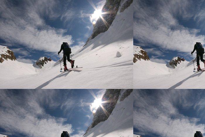 Tapeta Pixerstick Tourenskigeher - Zimní sporty