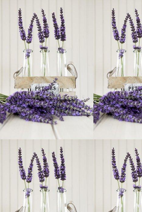 Vinylová Tapeta Tři malé vázy s levandulí na bílém stole - Květiny