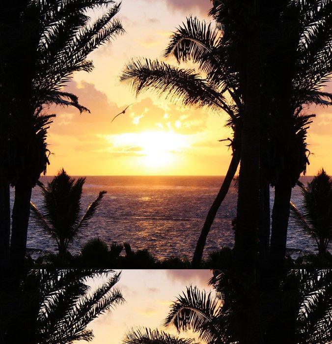 Tapeta Pixerstick Tropická palma slunce s pelikán létání - Domov a zahrada