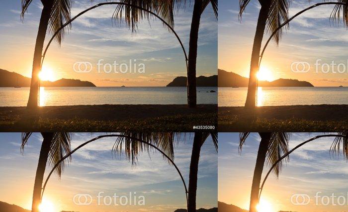 Tapeta Pixerstick Tropická pláž při západu slunce - Prázdniny